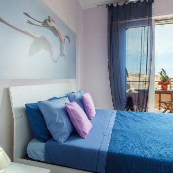 bb-aviewoncagliari-camera-blu-panoramica